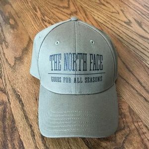 The North Face Baseball Cap / Hat in Army Green
